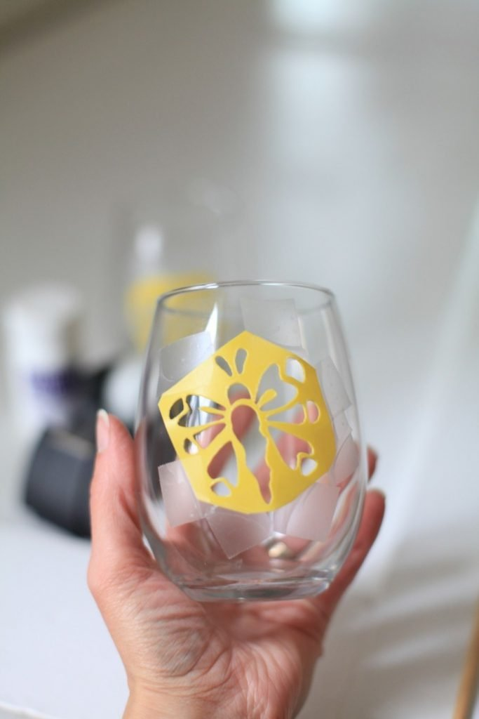A fun, fab, easy DIY! And it's wine related.