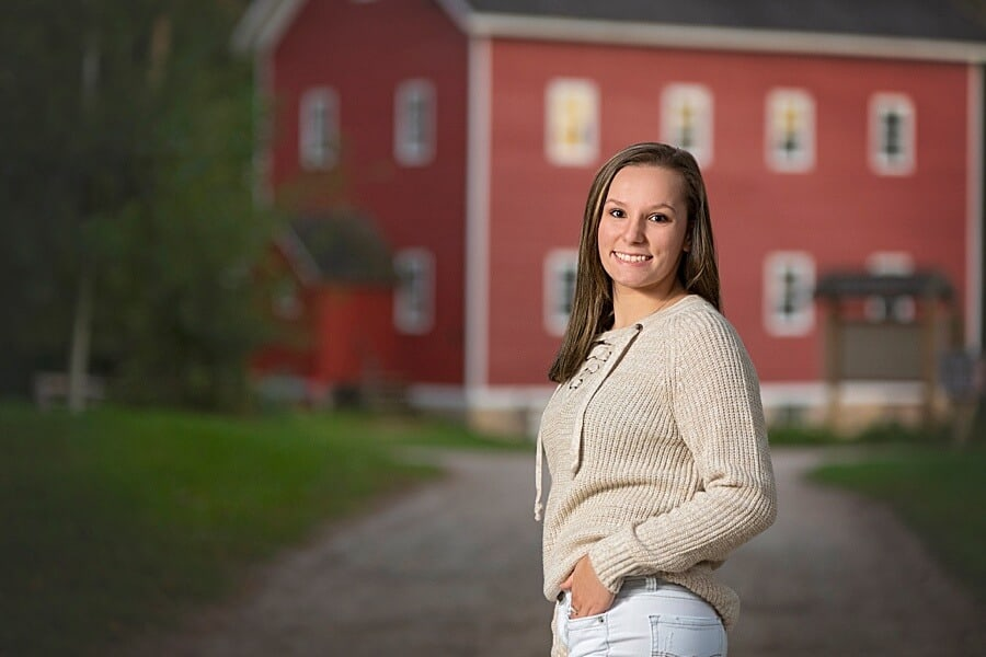 Slinger WI Senior Pictures at Richfield Historical Society