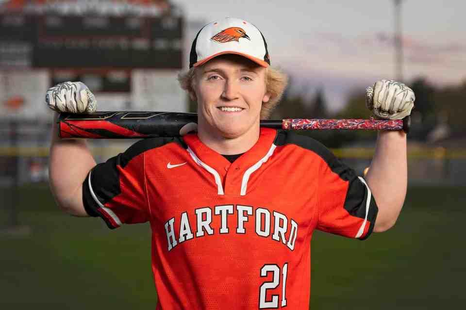 Athletic Senior Pictures in Hartford WI