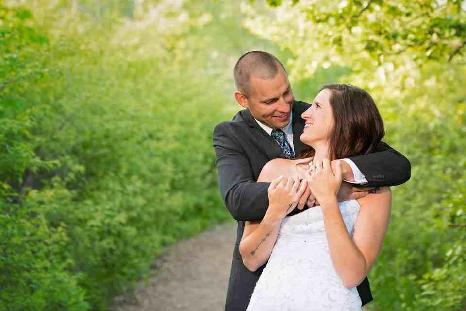 Wedding Photos at Lions Den Gorge Nature Preserve