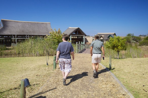 Jody and guide Anja at main lodge (c) Allyson Scott