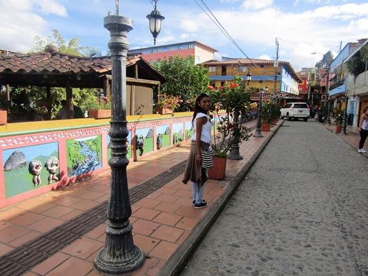 Pintorescas calles del Pueblo-Guatapé