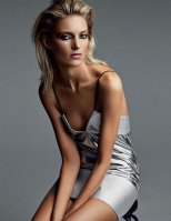 Anja-Rubik-Vogue-Magazine-Russia-March-2014_007