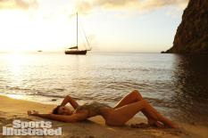 Lauren-Mellor-2014-SI-Swimsuit-Issue_030