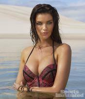 Natasha-Barnard-2014-SI-Swimsuit-Issue_016