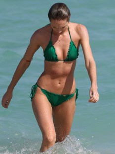 Candice-Swanepoel-Green-Bikini-in-Miami-12
