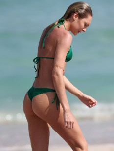 Candice-Swanepoel-Green-Bikini-in-Miami-14