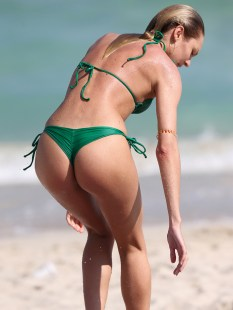Candice-Swanepoel-Green-Bikini-in-Miami-15
