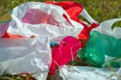 الداخلية تستعين بالولاة والعمال في محاربة الأكياس البلاستيكية