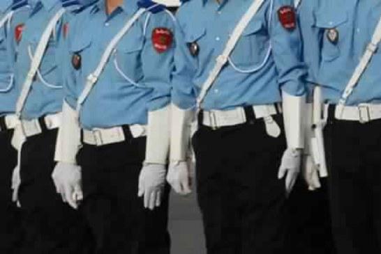 إحالة 3 شرطيين ومتقاعد على القضاء في قضية تزوير