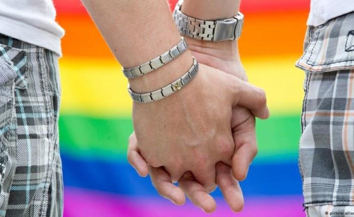 """تركيز إعلامي دولي كبير على محاكمة مثليتين بسبب """"تبادل القبل"""" بمراكش"""