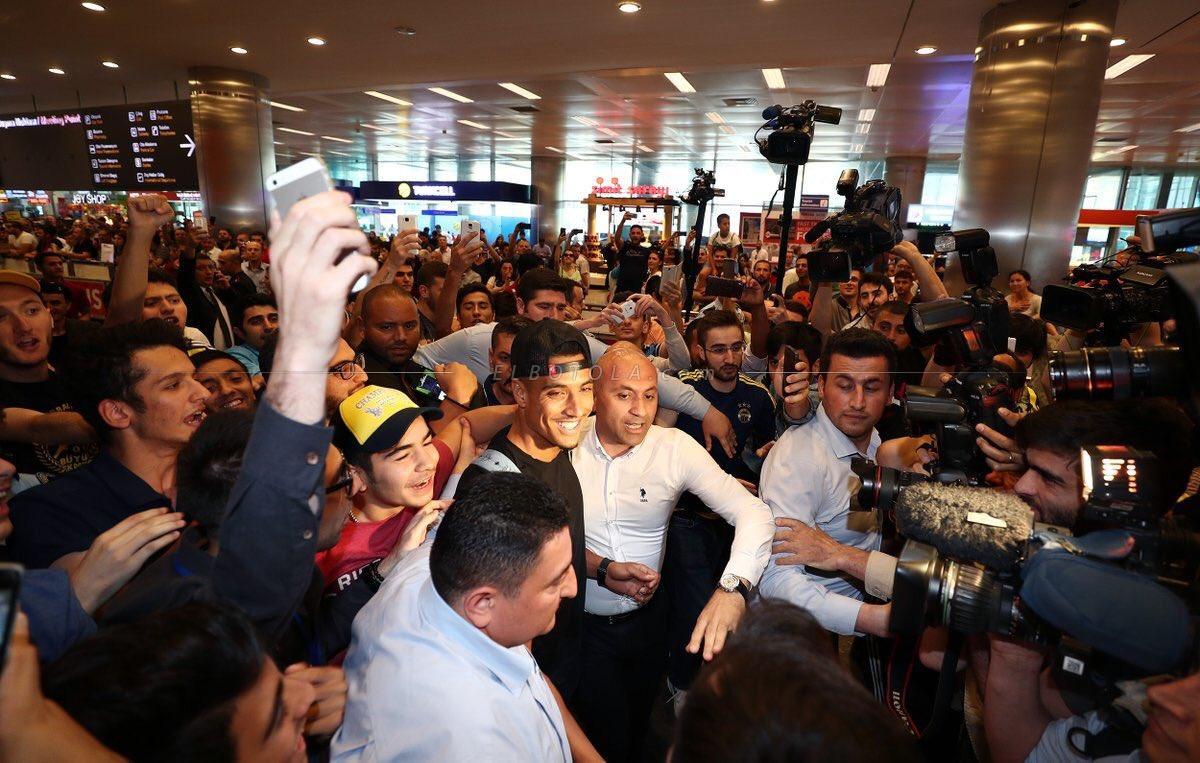 جماهير فنربخشه التركي تخصص استقبالا حارا لنبيل درار