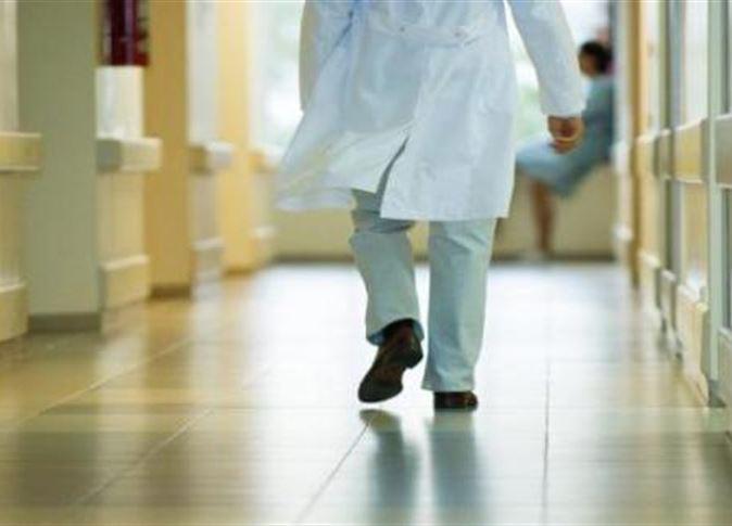 أطباء بريطانيا يعلقون سلسلة من الإضرابات لـ«سلامة المرضى»