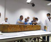 وزير الآثار: ترميم وتعقيم مومياوات سنچم وزوجته عملية جراحية يقوم بها مرممون متخصصون
