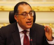 مصر تعلق جميع الفعاليات التي تشهد تجمعات كبيرة بما فيها تنقل المواطنين بين المحافظات