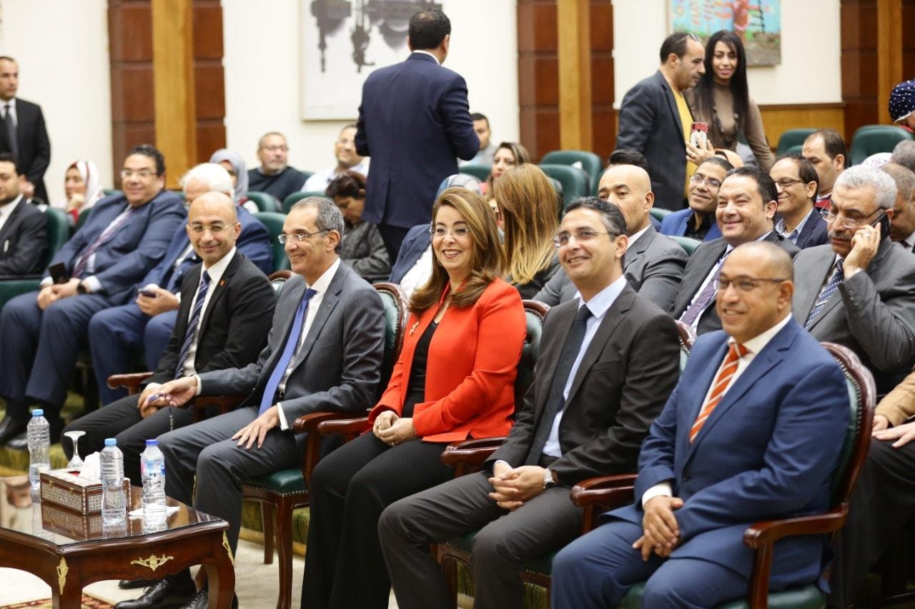 وزير الاتصالات: نقدم حزمة خدمات لصالح المعاشات والمطلقات - جريدة المال