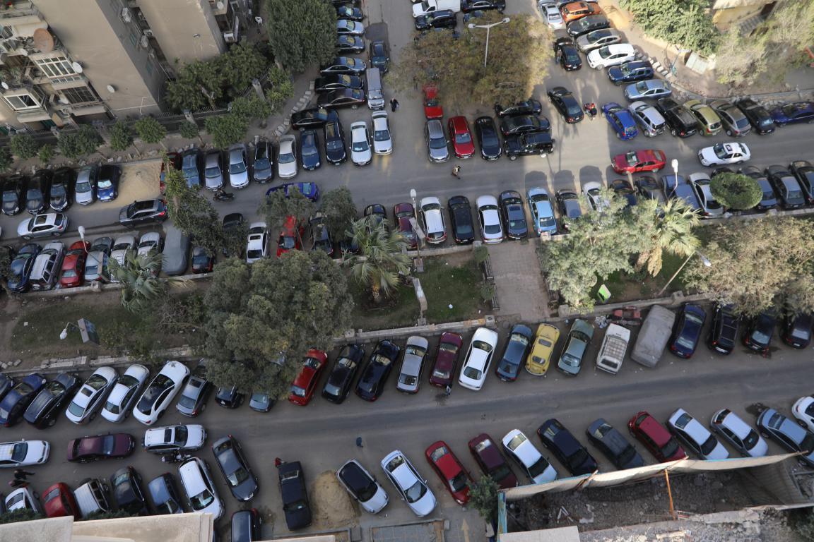 الجيزة : تطوير شارع سليمان أباظة بعد تحويله لساحة انتظار السيارات - جريدة المال