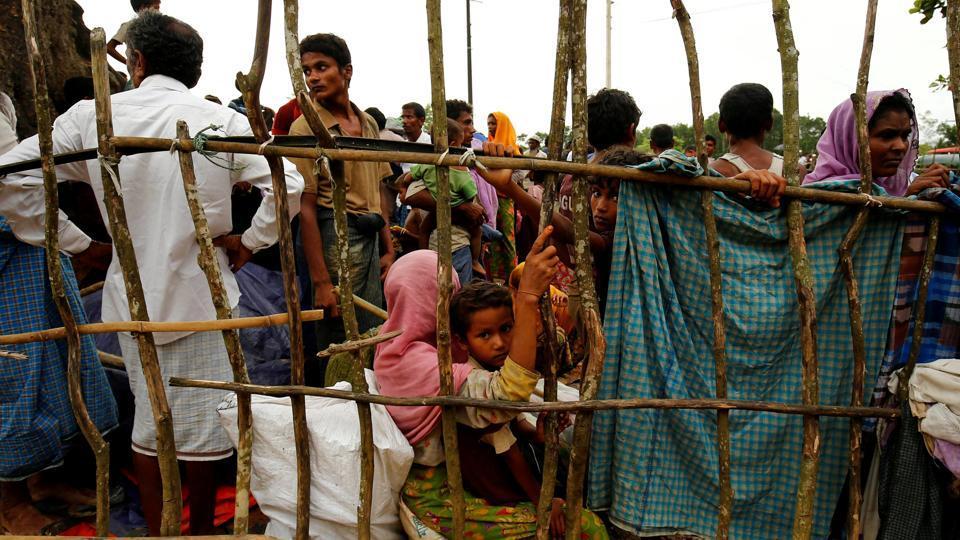 makeshift-rohingya-refugees-bazar-kutupalang-enter-refugee_a73e8b18-92d2-11e7-afc5-62fc49bb3ae4