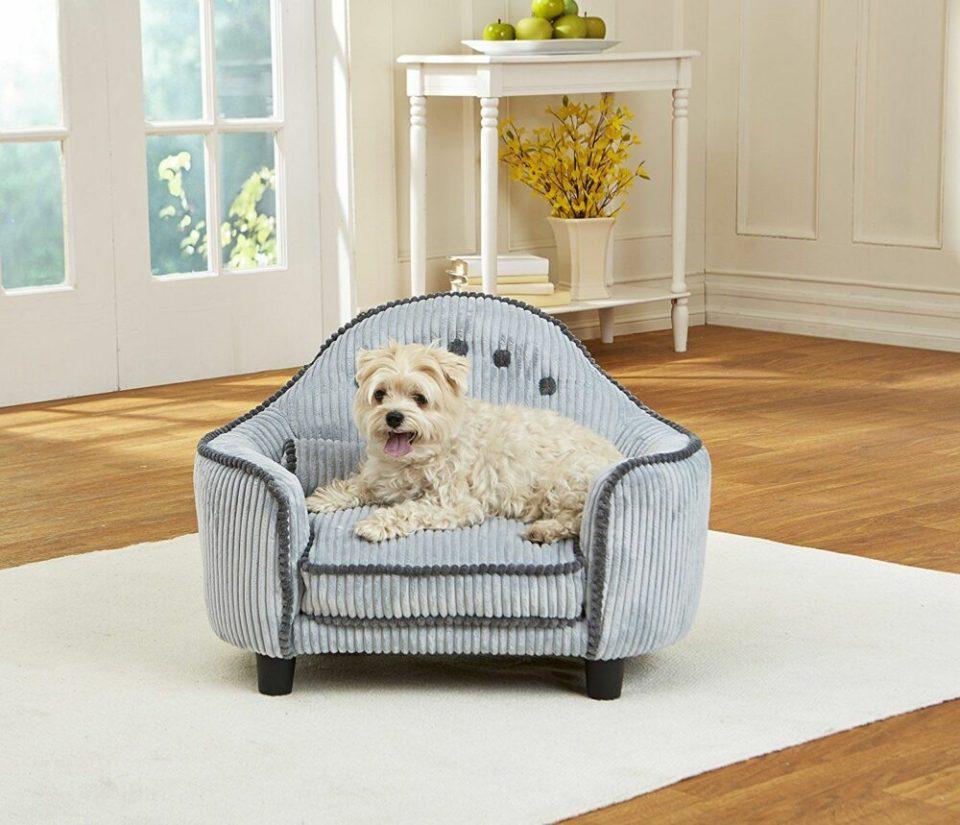 Camas y sofás para perros, entre los muebles para mascotas más demandados