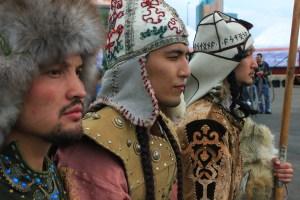 День национального костюма, Муслим Жумагалиев, культурное достояние, наследие предков, этнический костюм, орнамент, узор, реконструкция