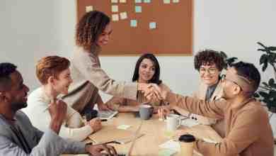 صورة المرأة شريك اساسي في بناء المجتمع