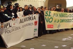 Los cinco sindicatos representativos en el Ayuntamiento de Almería protestan por la falta de negociación