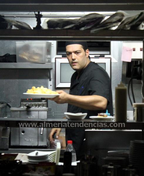 Juan Sánchez, cocinero en Kiosco Almadrabillas