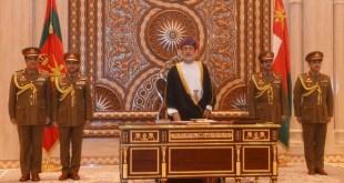 قرار يجرد سلطان عمان من ألقابه