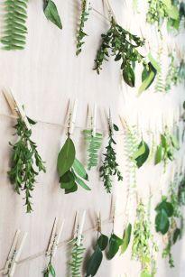 Piękny i prosty sposób na wiosenną dekorację ściany.