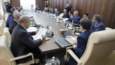 Photo of رئيس الحكومة يدعو وزير الاقتصاد والمالية إلى ترشيد النفقات