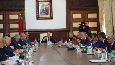 Photo of رئيس الحكومة: لا تراجع عن التوظيف الجهوي ولا عن مجانية التعليم