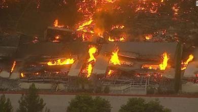 """Photo of حريق يلتهم مخازن """"أمازون"""" بكاليفورنيا.."""