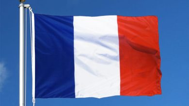 Photo of فرنسا تسيء بشكل رسمي للإسلام والمغاربة يطلقون حملة لمقاطعة بضائعها