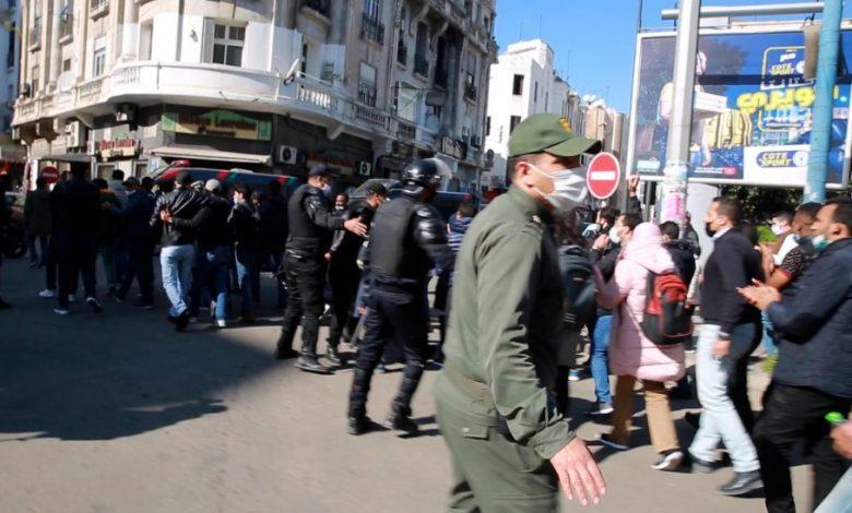 روبورتاج: سلطات الدار البيضاء تمنع مسيرة أساتذة التعاقد بساحة النصر