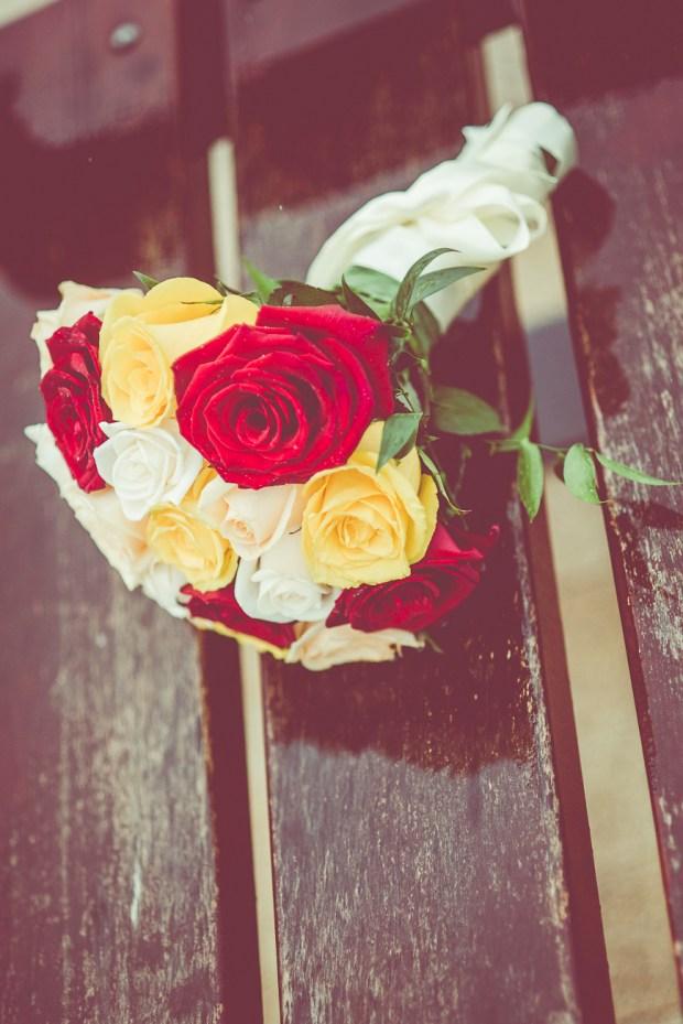 Buchet mireasa trandafiri