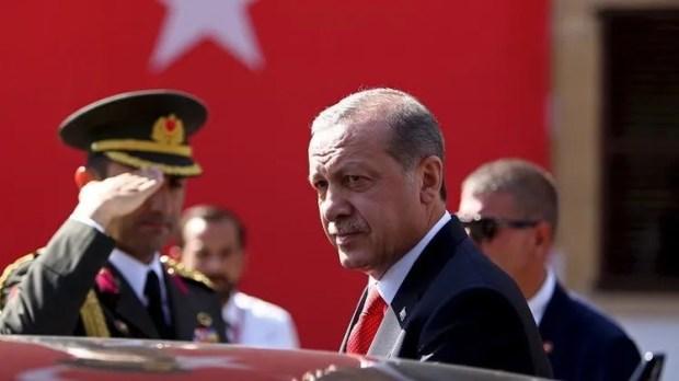 اليوم.. أردوغان يبدأ جولة خليجية للتوسط في أزمة قطر