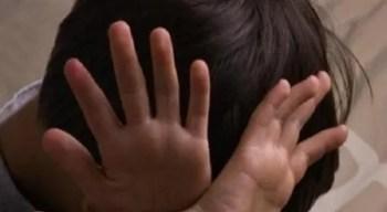 الكشف عن العقوبات التي تنتظر مستغل الأطفال جنسيًا في المنطقة الشرقية.. وهكذا برر ما فعله!