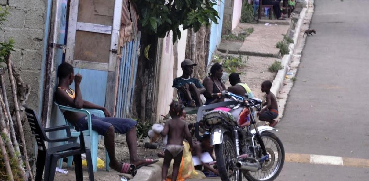 Senador propone crear municipio frene asentamientos haitianos cerca frontera dominicana