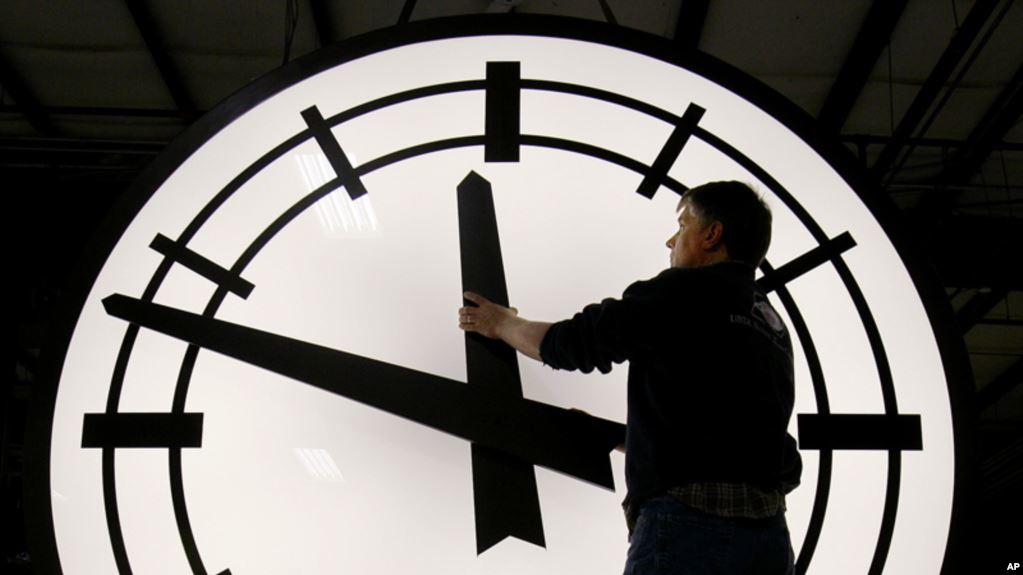 Este domingo 12 de marzo se inicia el horario de verano en EE.UU.