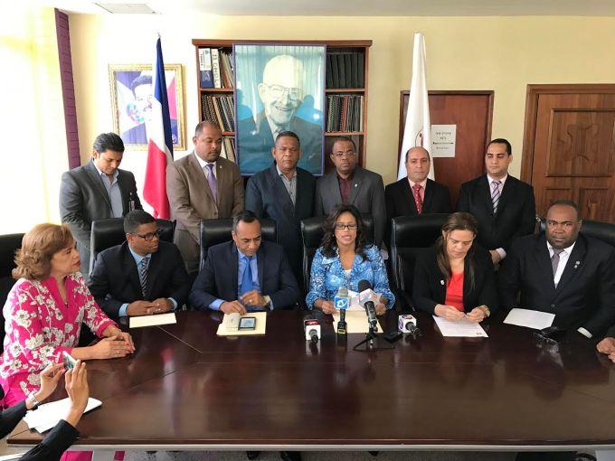 SANTIAGO: Regidores PLD manifiestan apoyo gobierno