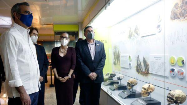 Gobierno de RD anunciará un plan  vacunación; comprará vacuna china