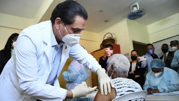 R.Dominicana ha puesto 1.98 millones de dosis de la vacuna contra la covid