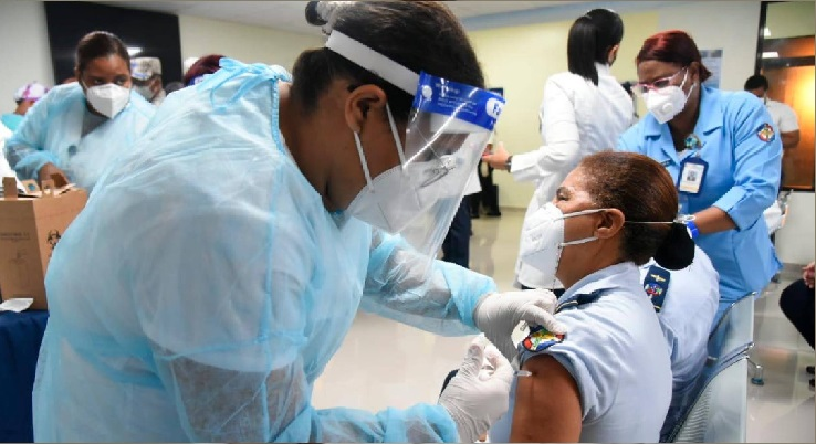 Gobierno amplía la vacunación contra la covid-19 a los mayores de 60 años