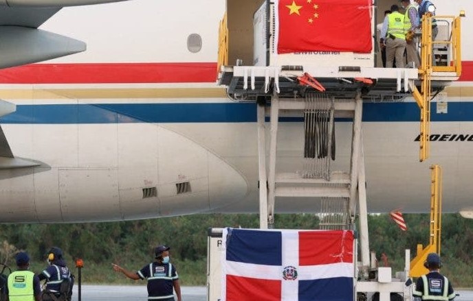 Llegó a la RD otro millón de vacunas contra COVID procedentes de China