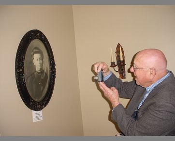 #15 Alan Coombs photographs his Karr ancestor's portrait on display