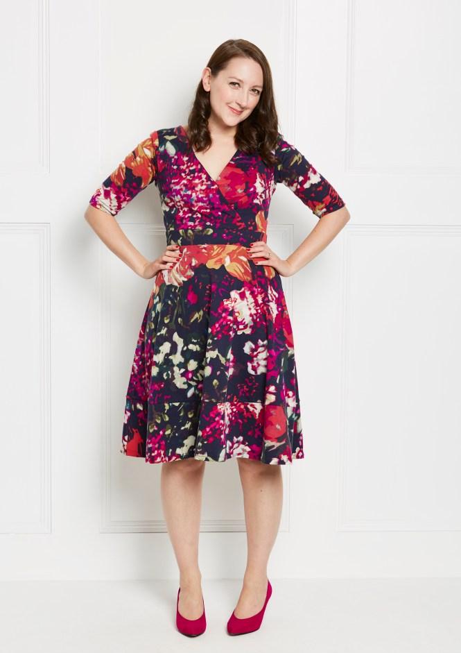 Almond rock Lena wrap dress love sewing simple sew patterns sewbrum sewing Weekender Ponte Roma double knit surplice dress jersey sewing
