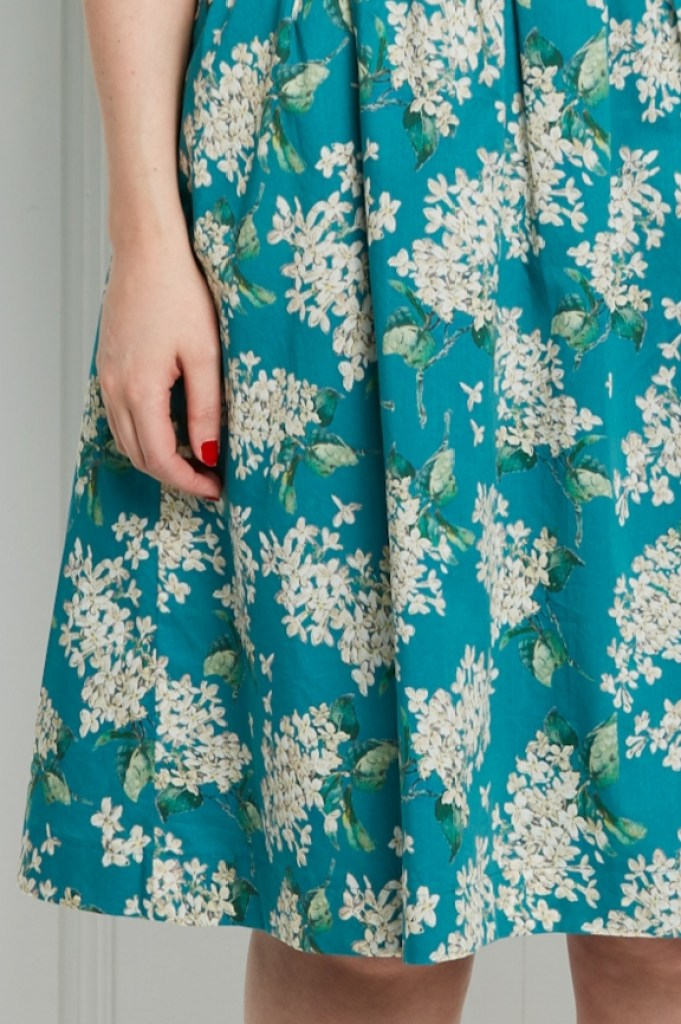 Almond rock simplicity 2444 liberty of London tana lawn lilac turquoise