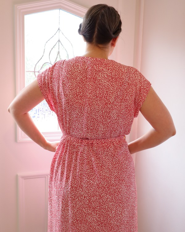 almond rock in butterick 6758 loose fitting dress red leopard ditsy ecovera viscose from rainbow fabrics