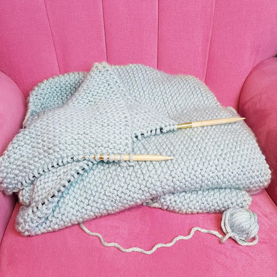 Almondrock knitting duck egg deramores stylecraft special xl chunky