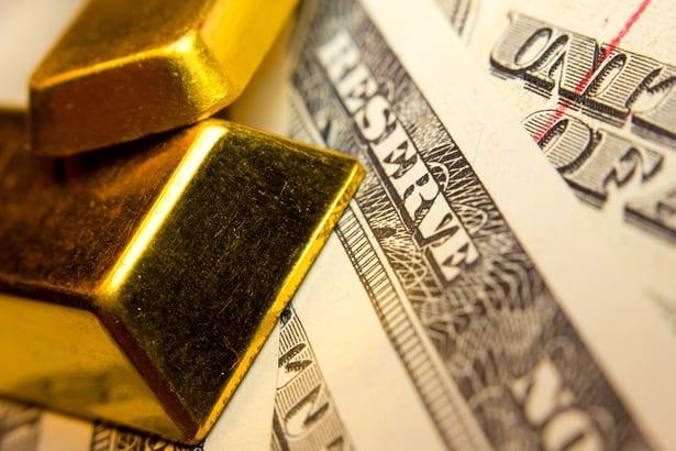 ارتفاع عوائد الخزانة الأمريكية تدعم الدولار وتضغط على أسعار الذهب